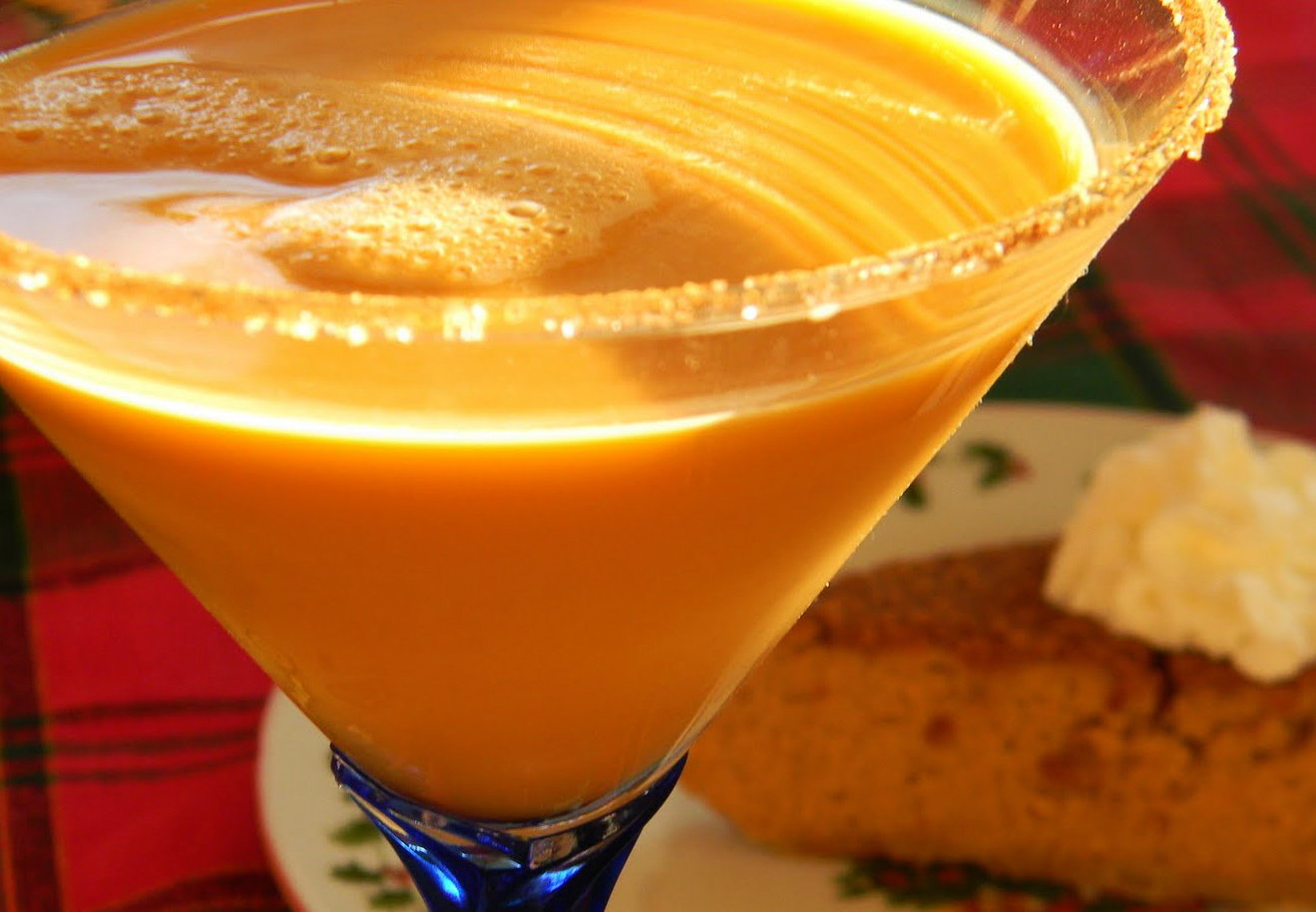 Thanksgiving cocktails pumpkin pie martini what 39 s cooking for Thanksgiving drinks alcoholic recipes